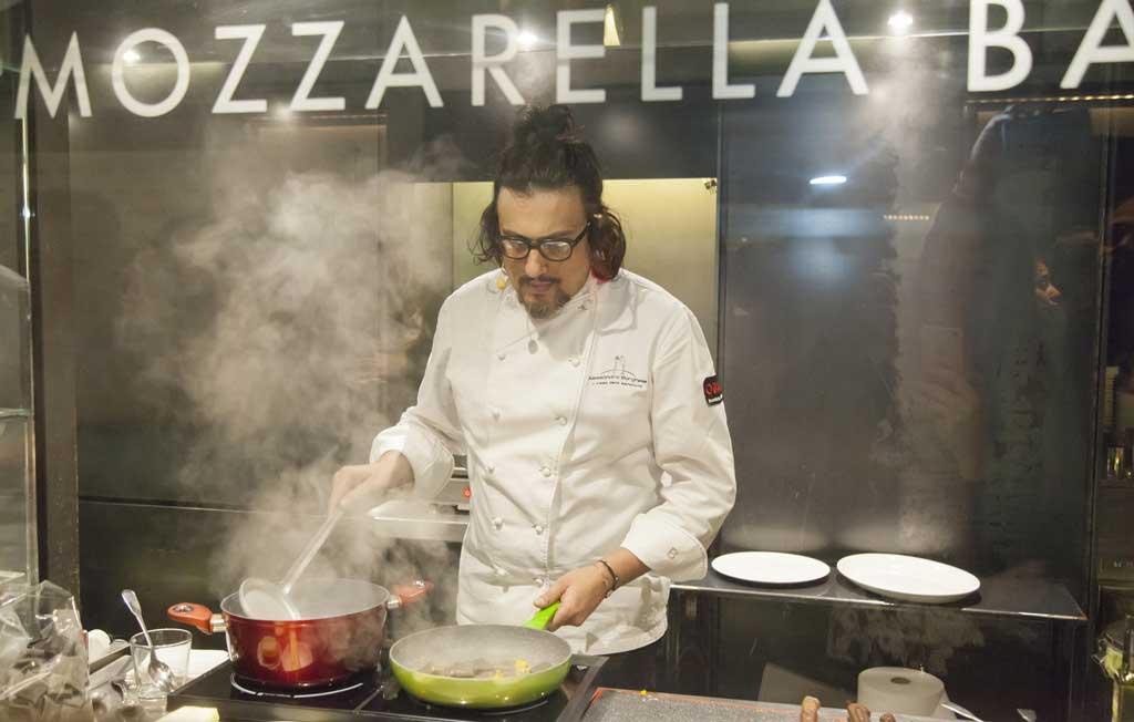 Alessandro-Borghese nella cucina di Obicà