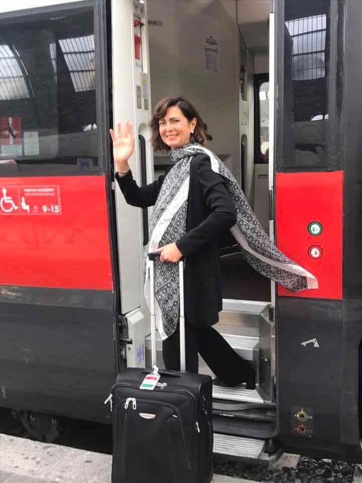 laura-boldrini-sale-sul-treno